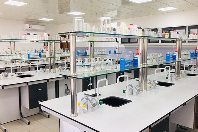 Standardized state-of-art Physics, Chemistry and Biology Laboratories